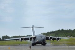 C17 Globemaster - Touch Down!
