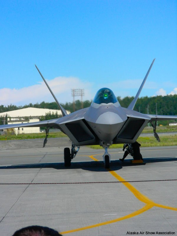 F22 Raptor arrival at ceremony
